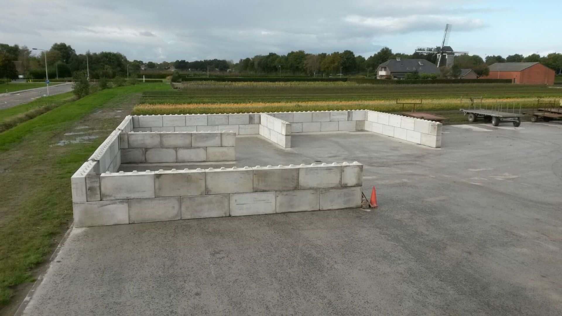 Realisatie opslagruimte met betonblokken 160x40x80 en 80x40x80 | De Keij