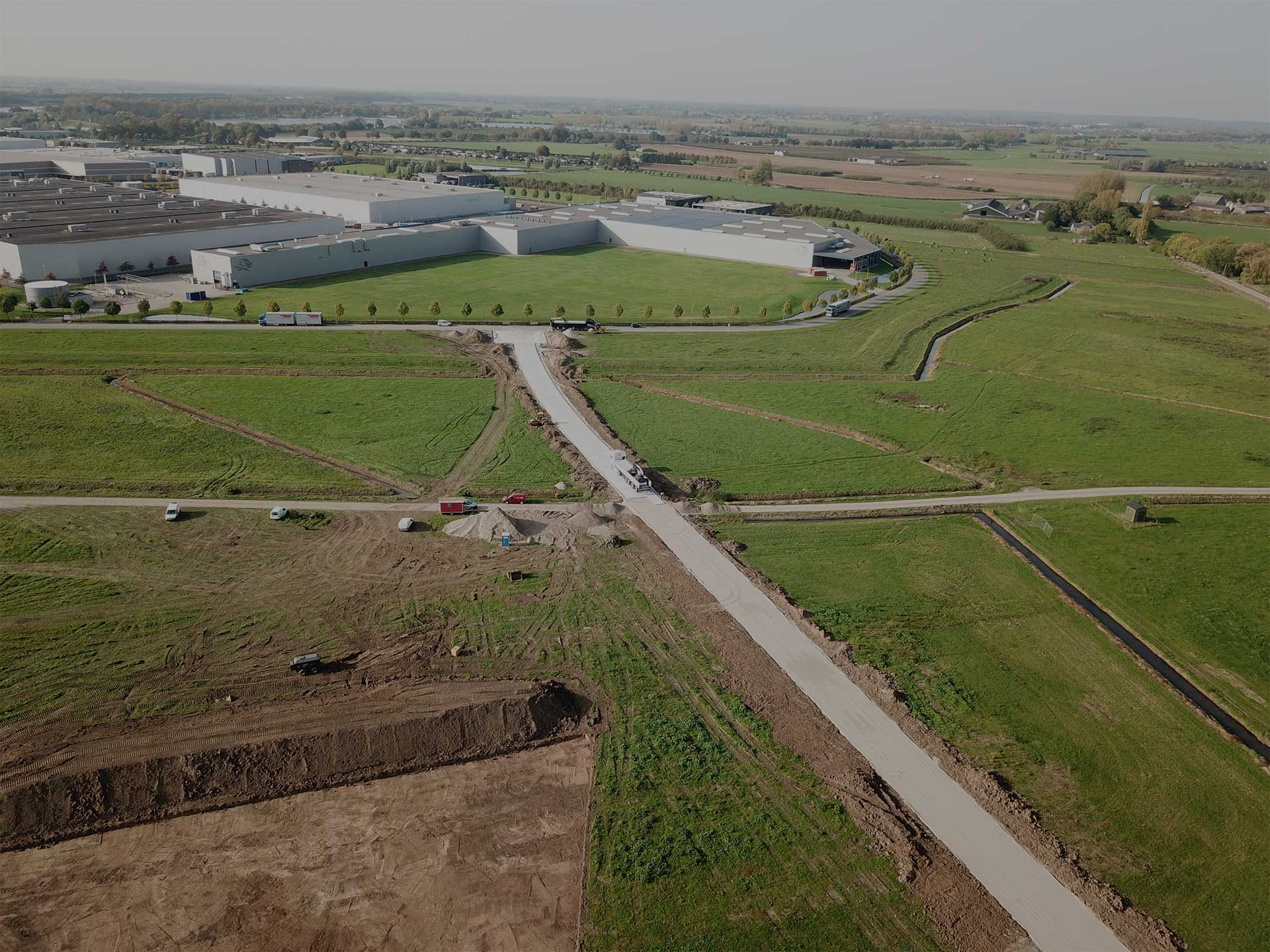 De Keij Betonplaten & Keerwanden uit Opheusden | Project Tiel | Toegangsweg