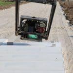 Betonplaten leggen met vacuüm hijssysteem