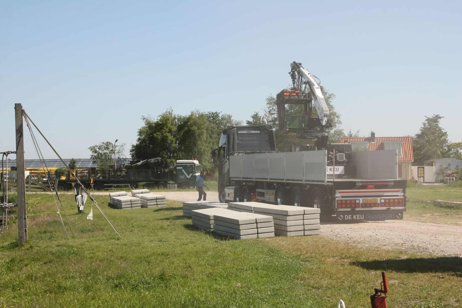 De Keij | Betonplaten leggen 80x120x.12cm met hijssleuf