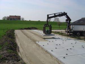Sleufsilo bouwen | Leveren en leggen betonplaten voor sleufsilo