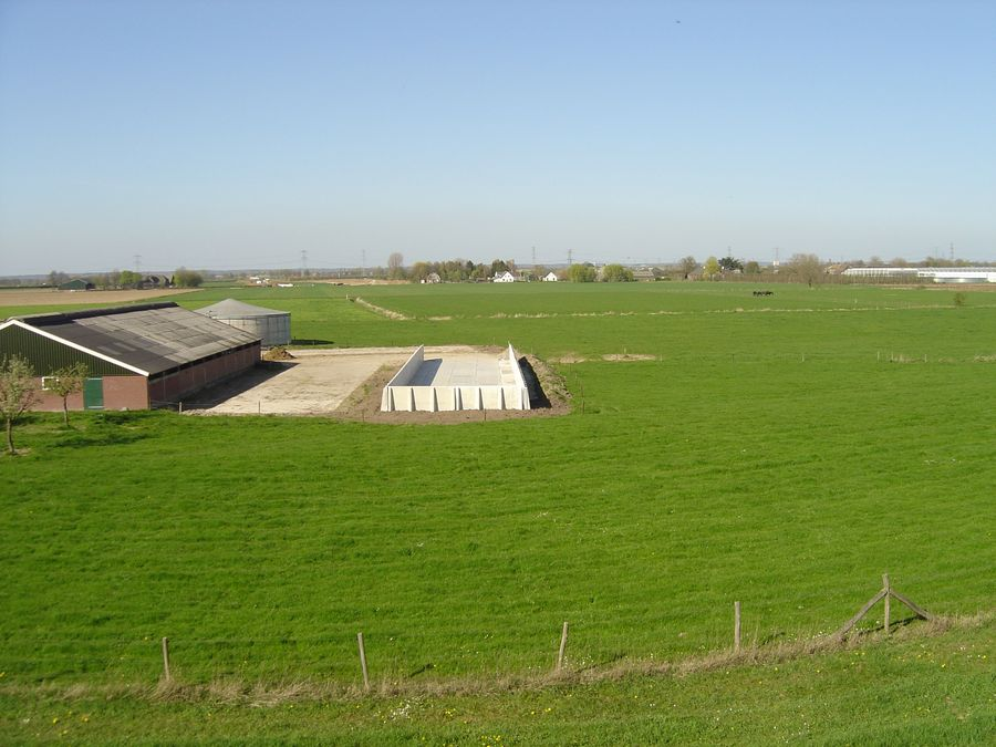 De Keij Betonplaten & Keerwanden   Agrarische sector   Sleufsilo