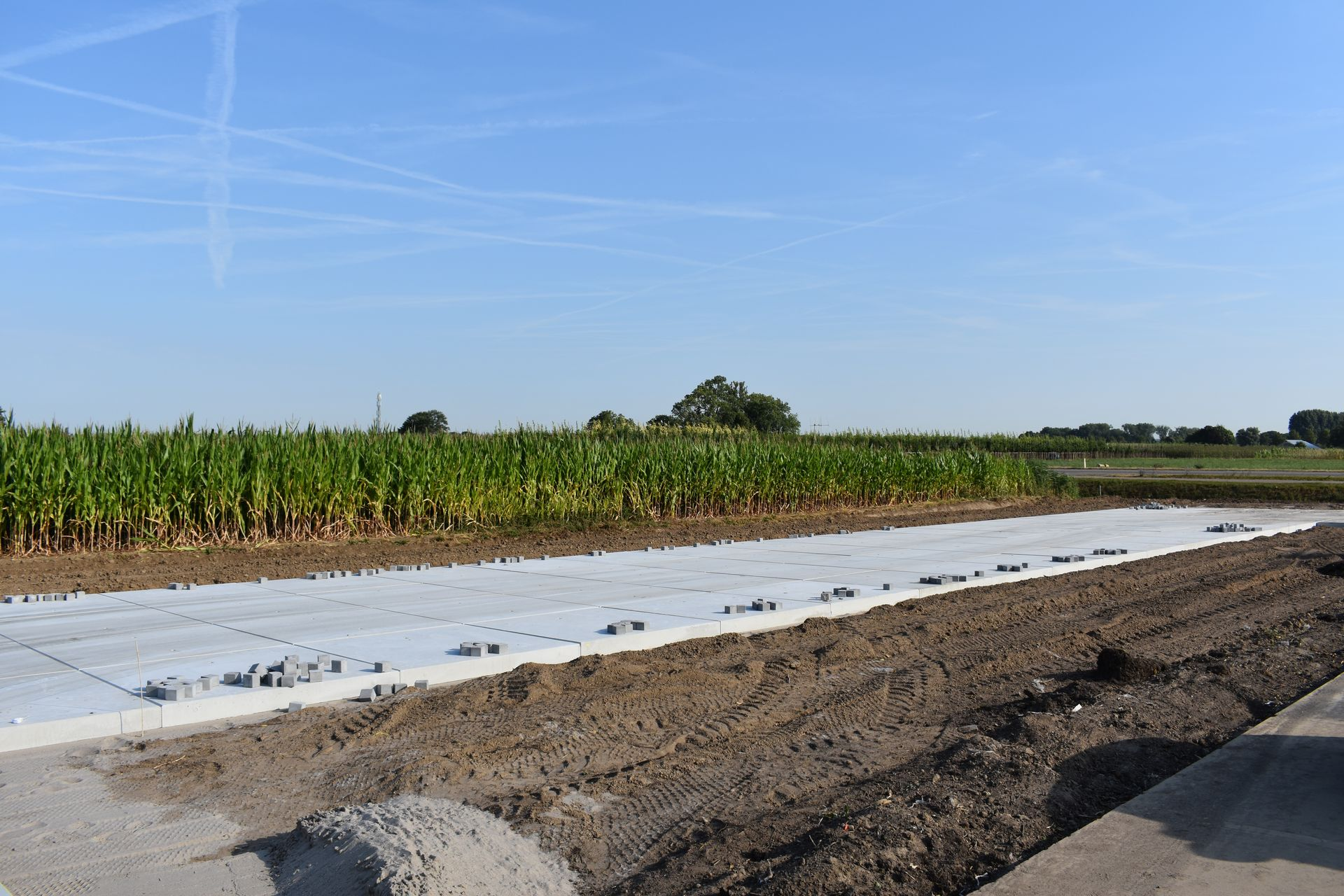 De Keij | Terreinverharding met betonplaten 200x200cm