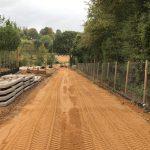 Projekt Flamstead (UK) | Nivellierung des aufgetragenen Sandes | De Keij