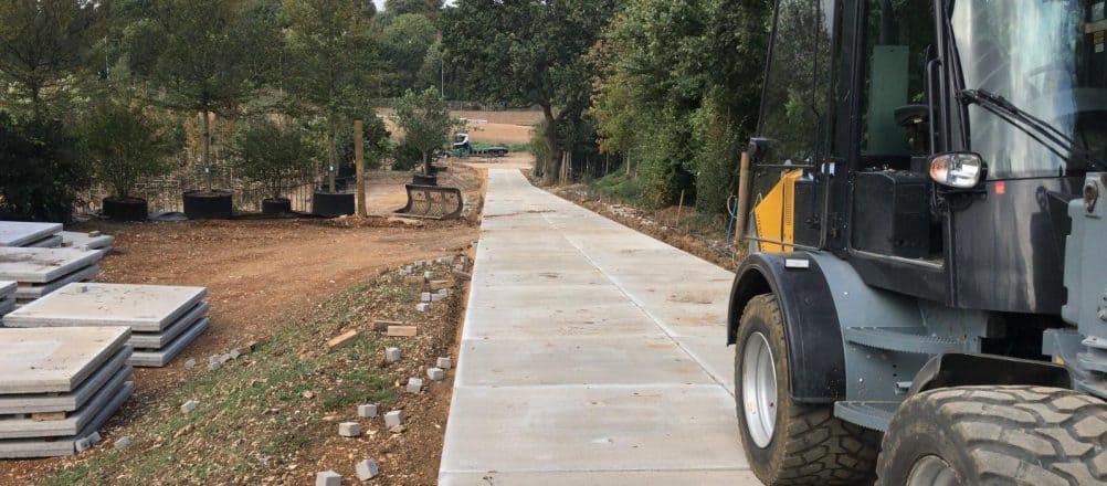 Project Flamstead | Betonplaten leggen met shovel