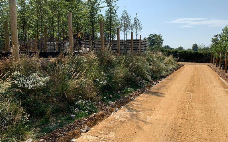Toegangswegen afgewerkt met zand | Project Flamstead (UK) | De Keij
