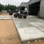 Betonplaten leggen met shovel | Project Dorsten (DU) | De Keij Betonplaten
