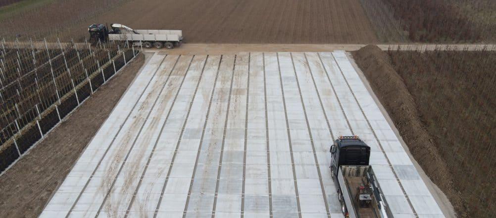Containerveld met betonplaten 200x200x14 | Pottenveld | De Keij